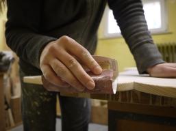 Schleifarbeiten in der Werkstatt