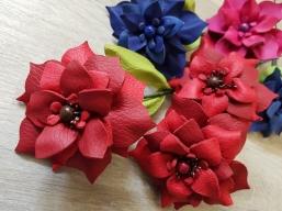 Blumen aus Leder