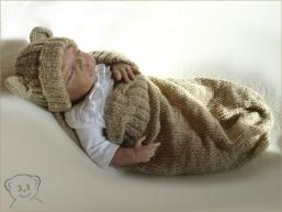 Baby Kuschelsack und Mütze Design Teddy