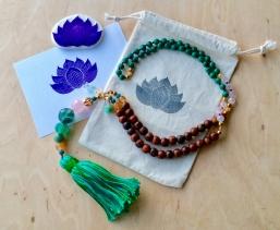 Lotus Stempel auf Stoffbeutel