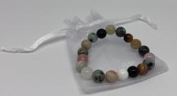 Perlenarmband aus Natursteinperlen