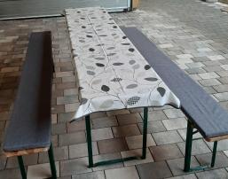 Polster und Tischdecke für Biertisch