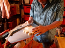 Sägearbeiten mit der Dekupiersäge