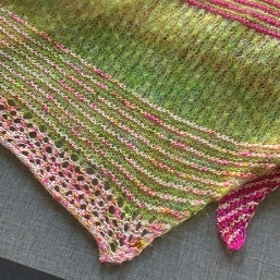 Stricken mit selbstgefärbter Wolle