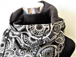 Wendbarer Schnür-Schal aus Baumwolle und Fleece