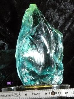 beleuchteter Buntglasstein