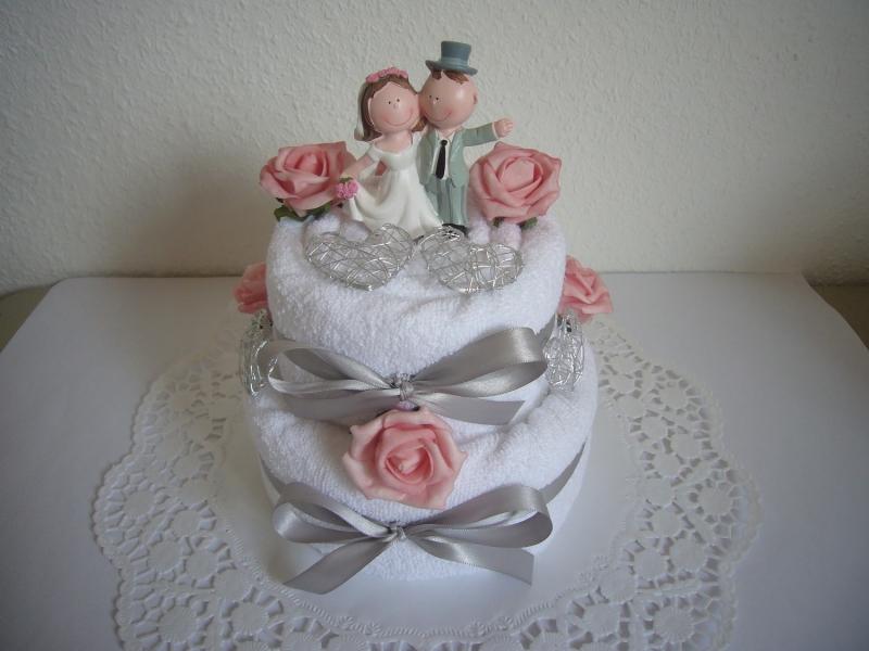 - Hochzeitsgeschenk Herz Hochzeit rosa Rosen Handtuchtorte - Hochzeitsgeschenk Herz Hochzeit rosa Rosen Handtuchtorte
