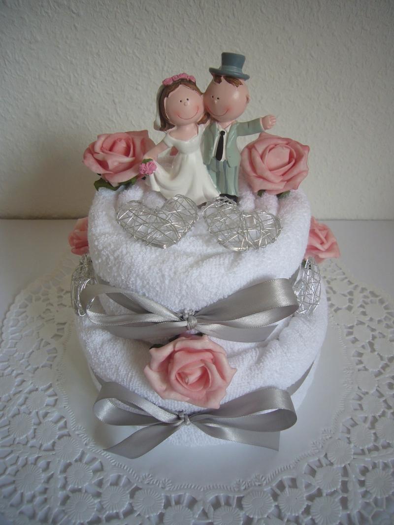 Kleinesbild - Hochzeitsgeschenk Herz Hochzeit rosa Rosen Handtuchtorte