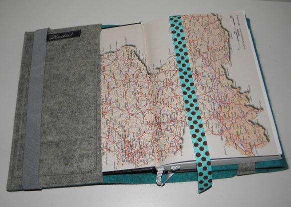 Kleinesbild - Kalenderhülle DIN A5, Buchhülle variabel, handgemacht aus reinem Wollfilz, bestickt, Kompass, Timer, Kalender, Planer, dieda
