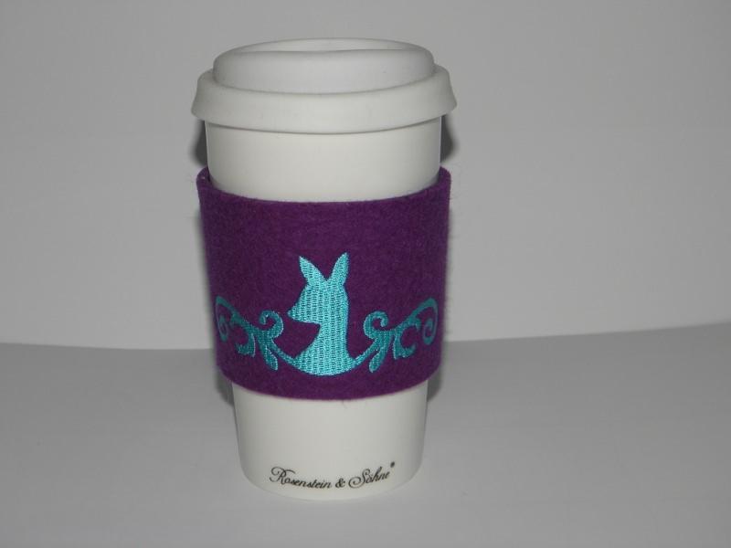 - Coffee to go Becher Keramik mit Filzmanschette, bestickt mit Reh, Wollfilz, Dieda! - Coffee to go Becher Keramik mit Filzmanschette, bestickt mit Reh, Wollfilz, Dieda!
