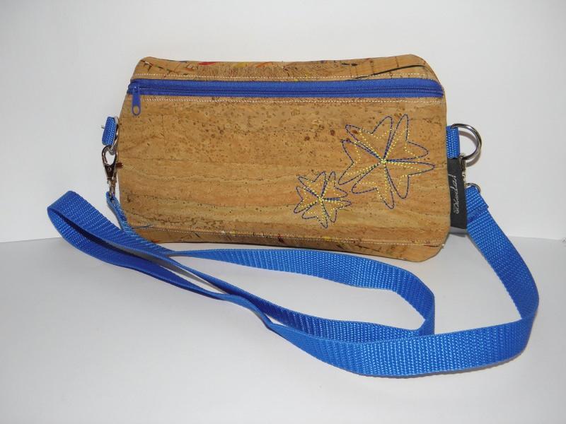 0aa44295b5285 Taschen   Kleine Umhängetasche aus Korkstoff