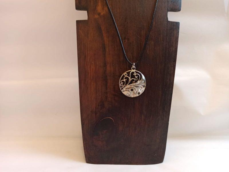 Kleinesbild - Halskette mit Anhänger