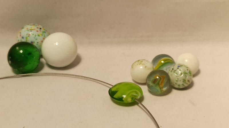 Kleinesbild - Edelstahlreif mit Lampwork-Solo grasgrün