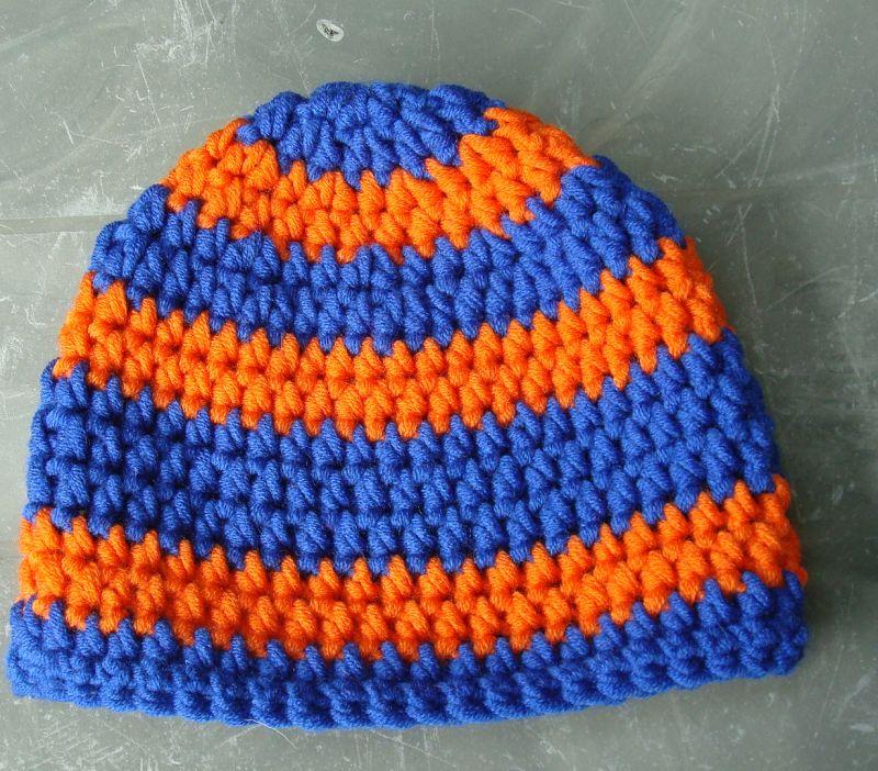 Kleinesbild - handgehäkelte Kindermütze aus den Farben royalblau und orange