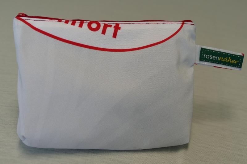 - Universaltäschchen mit Innentaschen - Upcycling aus Werbebanner / Kopfkissen - Universaltäschchen mit Innentaschen - Upcycling aus Werbebanner / Kopfkissen