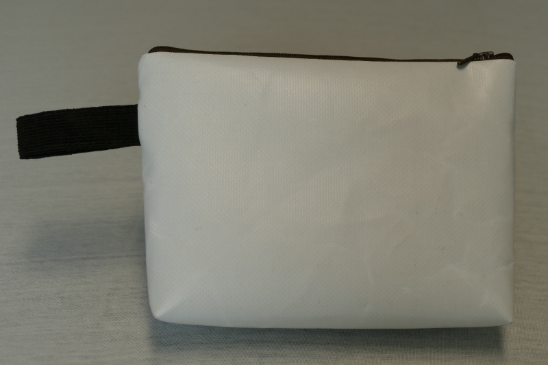 Kleinesbild - Universaltäschchen mit Innentaschen - Upcycling aus Werbebanner / Hosen
