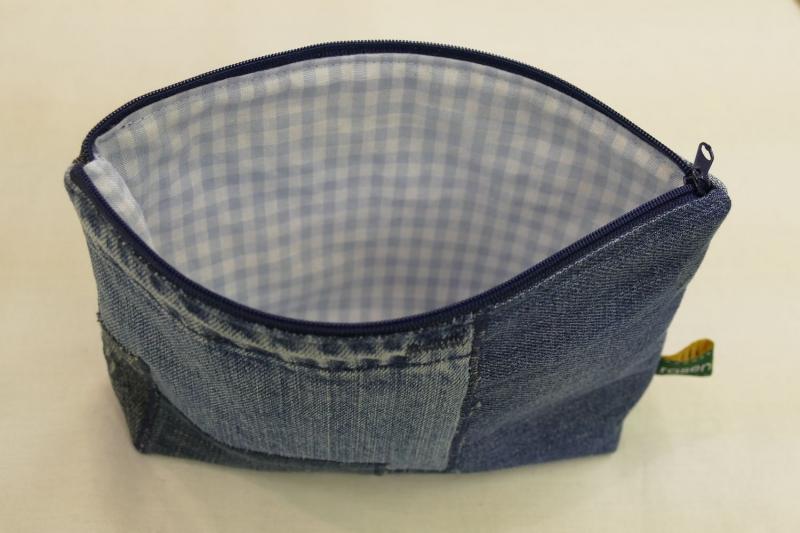 Kleinesbild - Universaltäschchen - Upcycling Jeanshosenteile / karierter Stoff