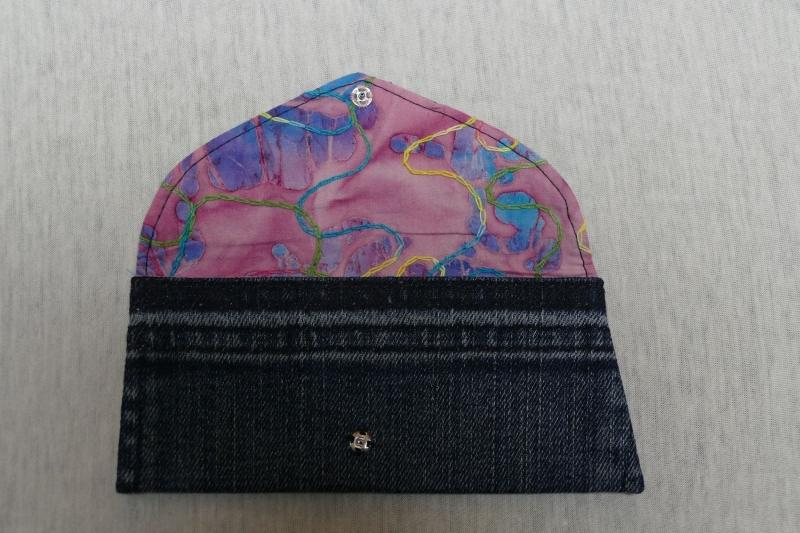 Kleinesbild - Universaltäschchen - Upcycling Gesäßtasche Jeanshose + rosa Stoffrest