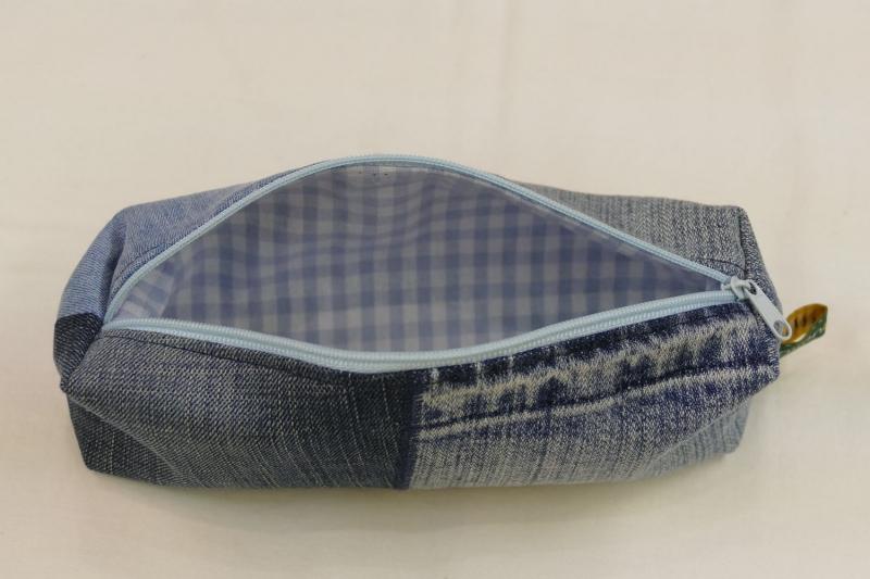 Kleinesbild - Mäppchen - Upcycling aus Jeanshosenteilen / karierter Stoff