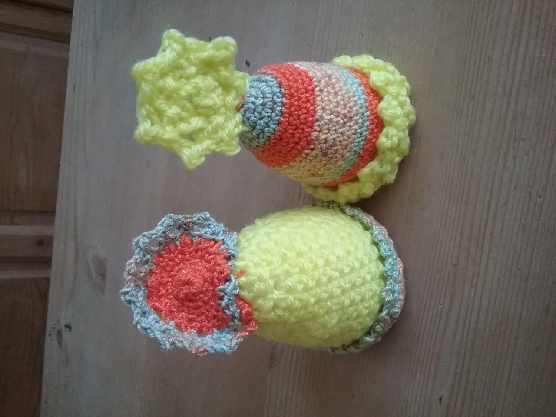 - Handarbeit 2 gehäkelte  Eierwärmer , Eierhut mit viel Liebe - Handarbeit 2 gehäkelte  Eierwärmer , Eierhut mit viel Liebe