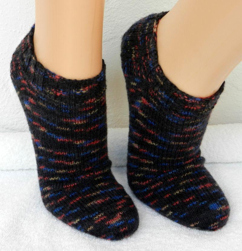 Kleinesbild - Sneakers Gr. 38-39 in schwarz, rot, blau und beige - mustergleich