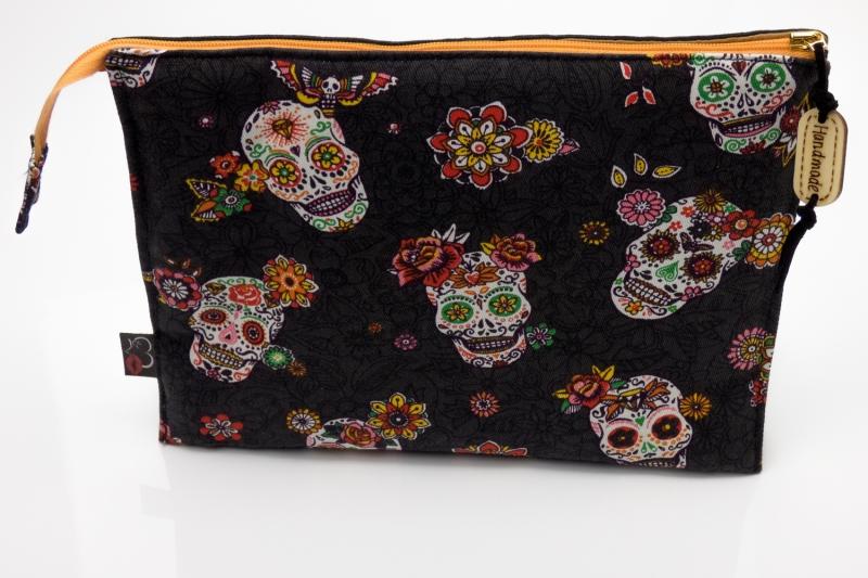 Kleinesbild - Kosmetiktasche ♥Totenkopf♥ in anthrazit Dia de los Muertos mit 3 Fächern ♡ Taschenorganizer für Kosmetik und mehr