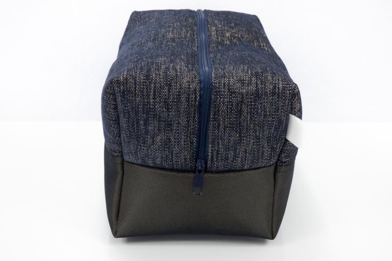 Kleinesbild - Kulturtasche ♥ Midnight Star ♥ für Sie und Ihn mit feinem Schimmer in dunkelblau-gold und schwarz-gold ♥ kostenloser Versand ♥