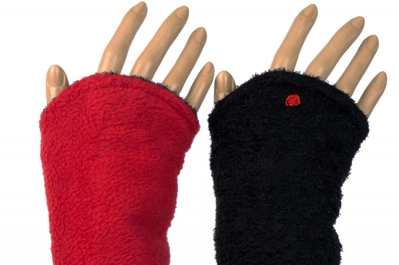 - Armstulpen zum Wenden in schwarz und rot aus Strickbouclé und Fleece für Erwachsene  - Armstulpen zum Wenden in schwarz und rot aus Strickbouclé und Fleece für Erwachsene