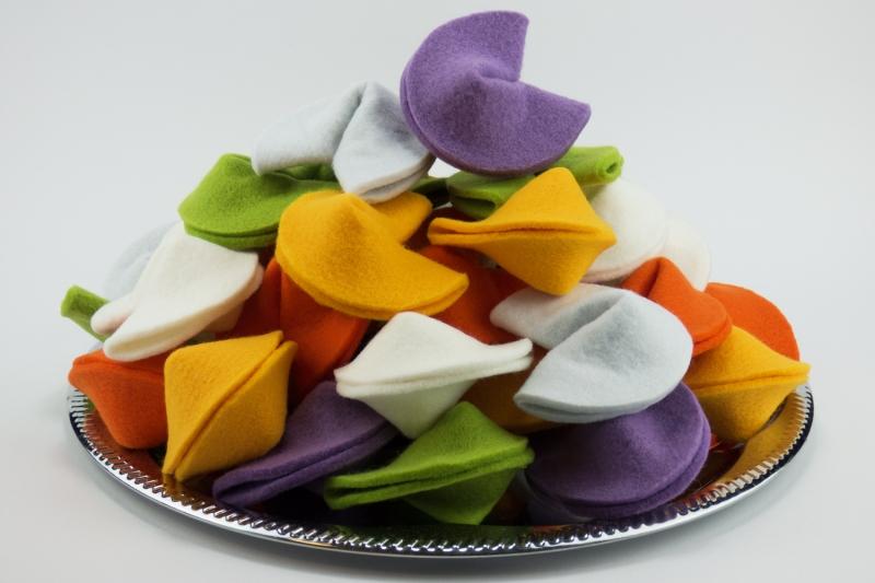 - Glückskekse aus Filz ♡ bunte Mischung ♡ 6 Stück große Glückskekse in verschiedenen Farben - Glückskekse aus Filz ♡ bunte Mischung ♡ 6 Stück große Glückskekse in verschiedenen Farben