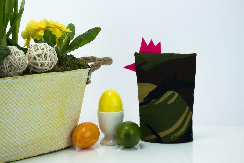 Kleinesbild - Eierwärmer FRAU HAUPTMANN ★ Pink ★ Camouflage Flecktarn ♡ auch eine tolle Dekoration ♡ nicht nur für Ostern