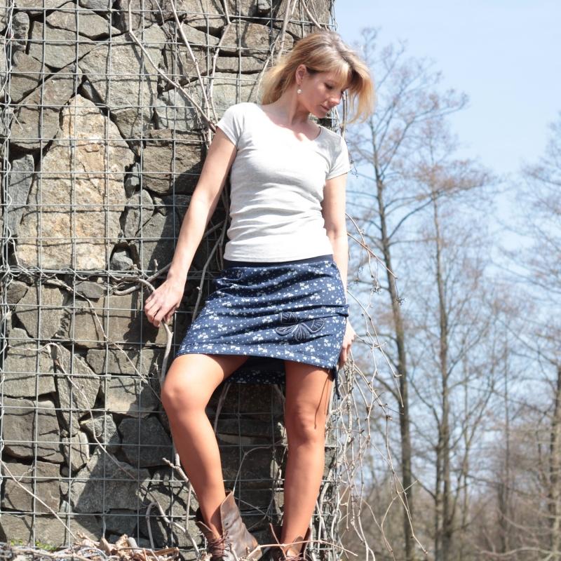 best website 1b25c 53643 Damenrock blau, Rock mit A-Linie, Rock nach Maß, Herbstrock, knielanger  Rock, Rock mit Tasche, A-Form Rock, handgemachte Bestickung