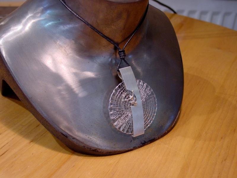 Kleinesbild - Anhänger  Klöppelschmuck  Handarbeit  in Silber und Edelstahl kaufen