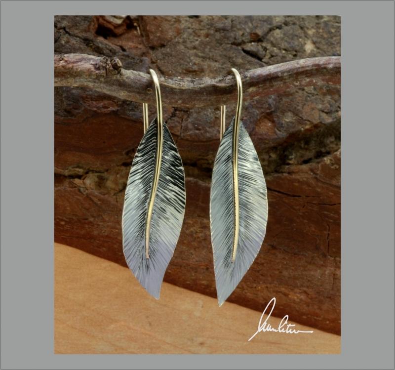 - Ohrringe, Ohrhänger Handarbeit in Silber strukturiert mit goldener Blattnarbe - Ohrringe, Ohrhänger Handarbeit in Silber strukturiert mit goldener Blattnarbe
