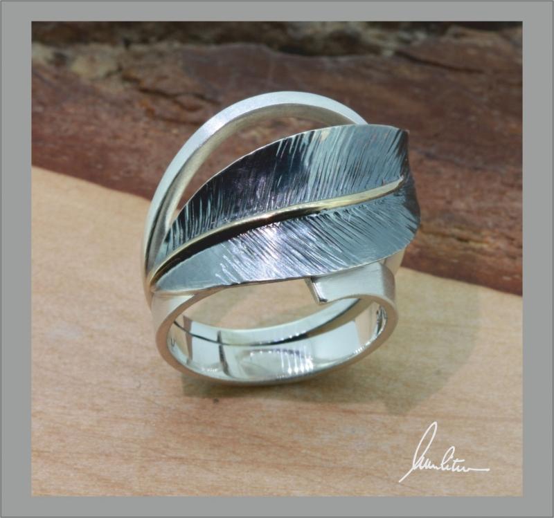 Kleinesbild - Desing Ring aus Silber in Handarbeit Blatt