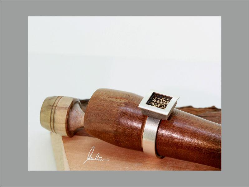 Kleinesbild - Filigraner Ring in Silber und Gold in Handarbeit hergestellt