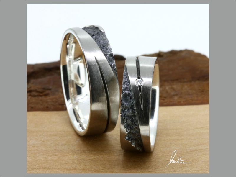 - Trauringe individuelle Herstellung in Palladium und strukturiertem  Silber mit Brillant - Trauringe individuelle Herstellung in Palladium und strukturiertem  Silber mit Brillant