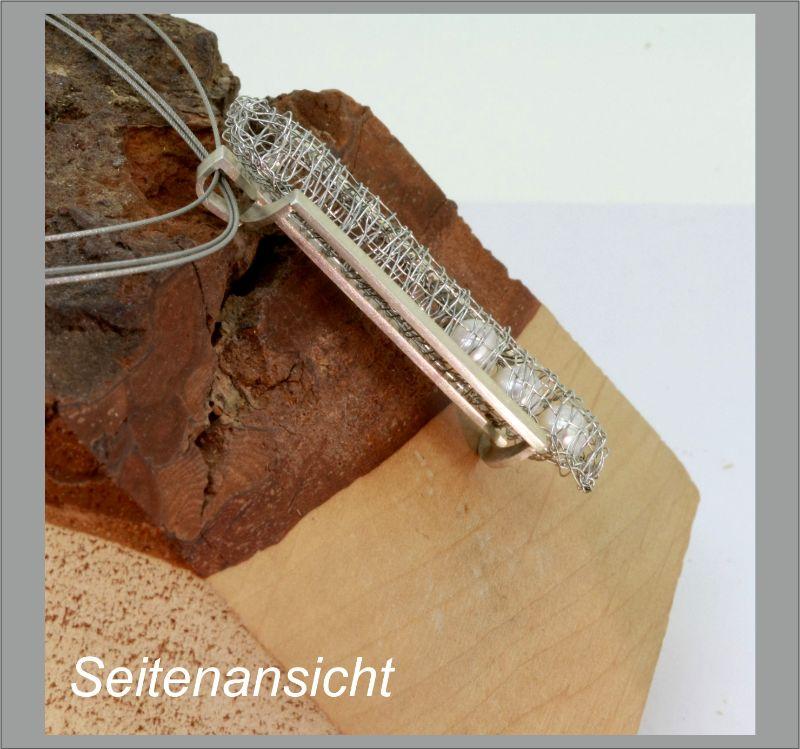 Kleinesbild - Anhänger Klöppelschmuck mit drei Akoya Zuchtperlen in Silber und Edelstahl in Handarbeit hergestellt