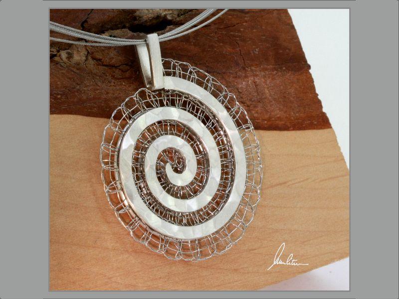 - Anhänger großes Labyrinth in Silber und Edelstahl  in Handarbeit hergestellt - Anhänger großes Labyrinth in Silber und Edelstahl  in Handarbeit hergestellt