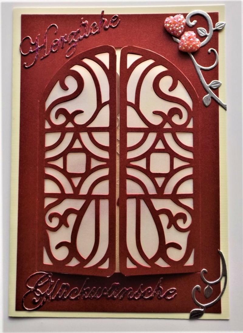 Kleinesbild - Aufwendig gearbeitete Hochzeitskarte in dunklem Weinrot metallic mit Türchen