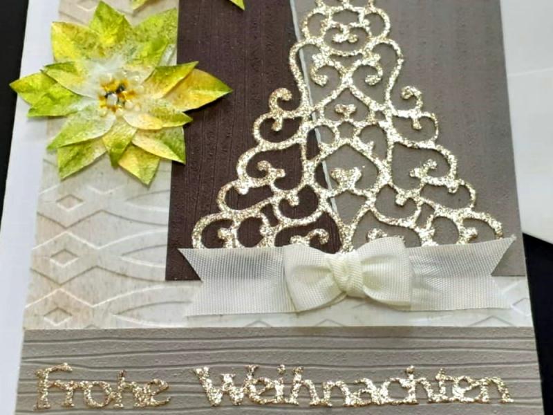 Kleinesbild - Weihnachtskarte mit Tannenbaum, hergestellt aus verschiedenen Materialien, Frohe Weihnachten, Karte, Christmas