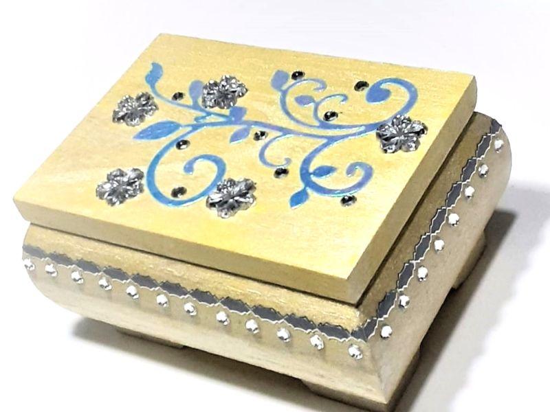 - Kleines Schatzkästchen, handbemalte und verzierte Holzschachtel in Gelb, Blau & Silber - Kleines Schatzkästchen, handbemalte und verzierte Holzschachtel in Gelb, Blau & Silber