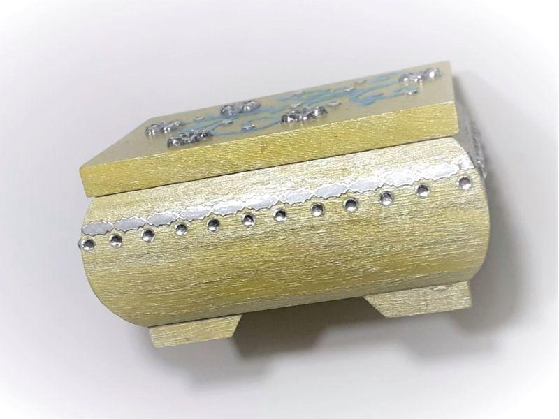 Kleinesbild - Kleines Schatzkästchen, handbemalte und verzierte Holzschachtel in Gelb, Blau & Silber
