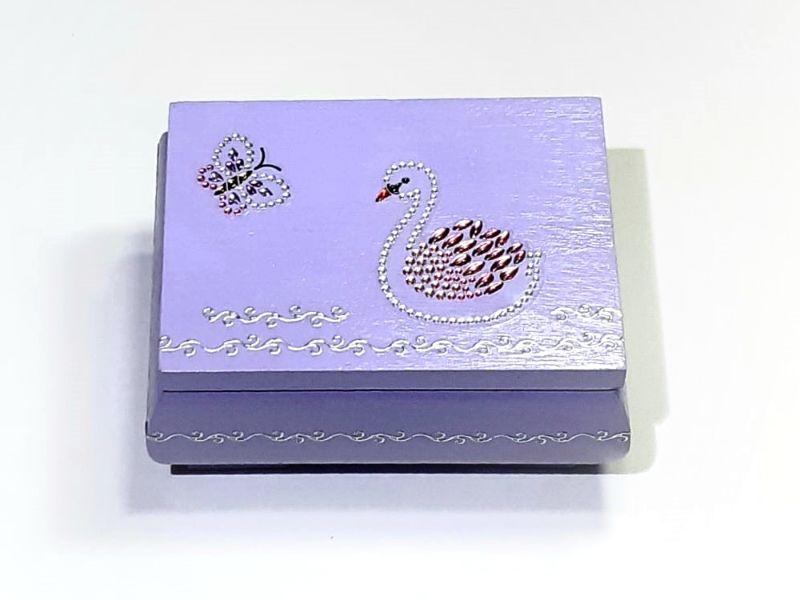 - Kleines Schatzkästchen, handbemalte und verzierte Holzschachtel mit Schwan als 3D-Motiv - Kleines Schatzkästchen, handbemalte und verzierte Holzschachtel mit Schwan als 3D-Motiv