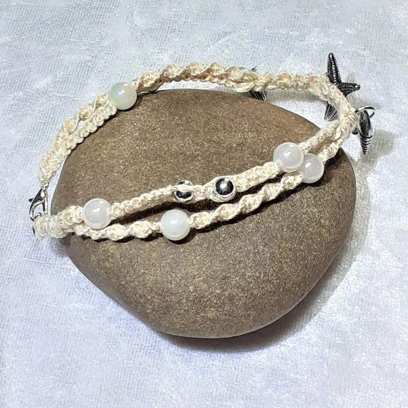 Kleinesbild - Handgefertigtes  Makramee-Armband mit maritimen Schmuckelementen