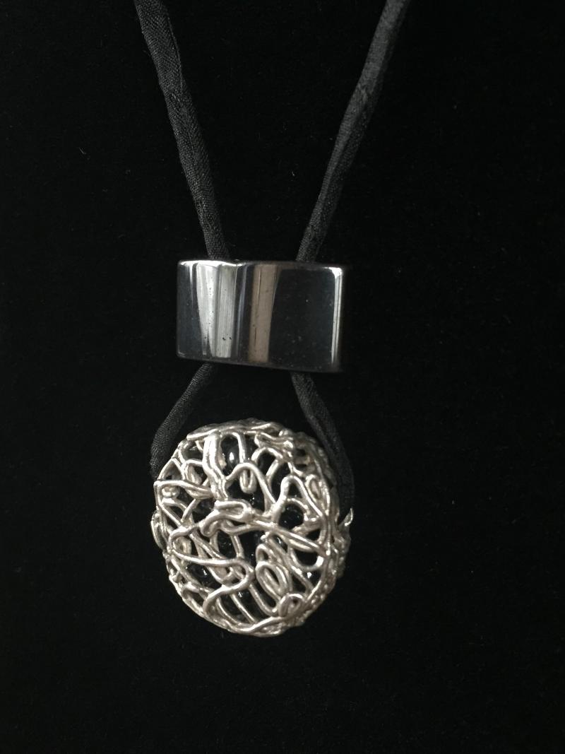 Kleinesbild - Männerschmuck - Silberanhänger handgefertigt - Hämatit und Silber - Unikat