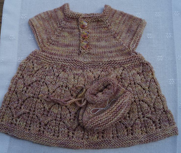 - Babykleid, Babyset, Größe 0 - 3 Monate - Babykleid, Babyset, Größe 0 - 3 Monate