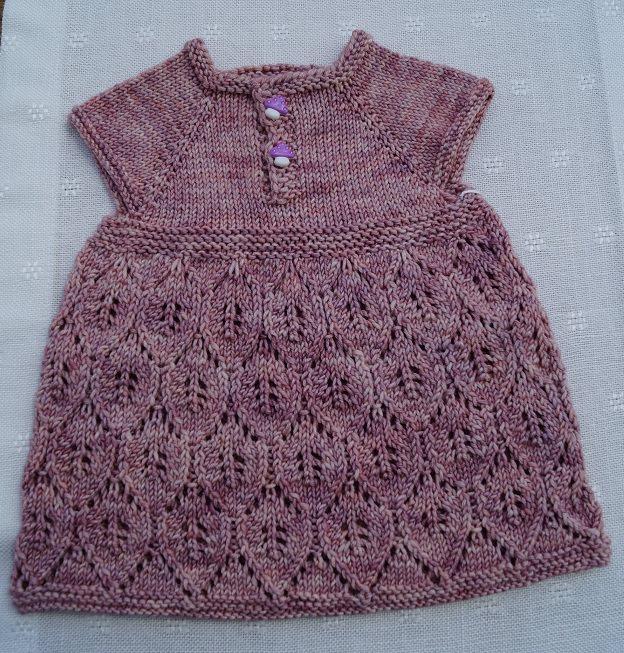 - Babykleid, Größe 0 - 3 Monate - Babykleid, Größe 0 - 3 Monate