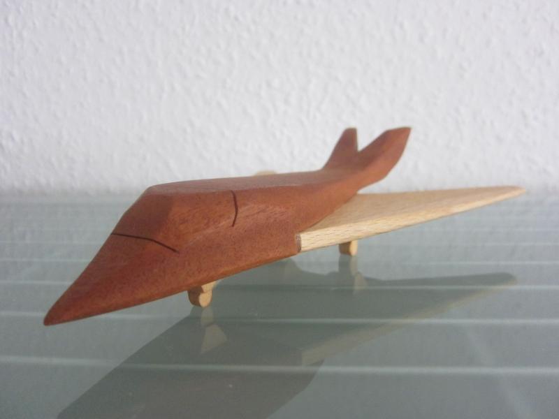 Kleinesbild - Kampfflugzeug Kampfjet Flugzeug Jet Flieger Jagdflugzeug Jagdbomber Modell Holz Handarbeit