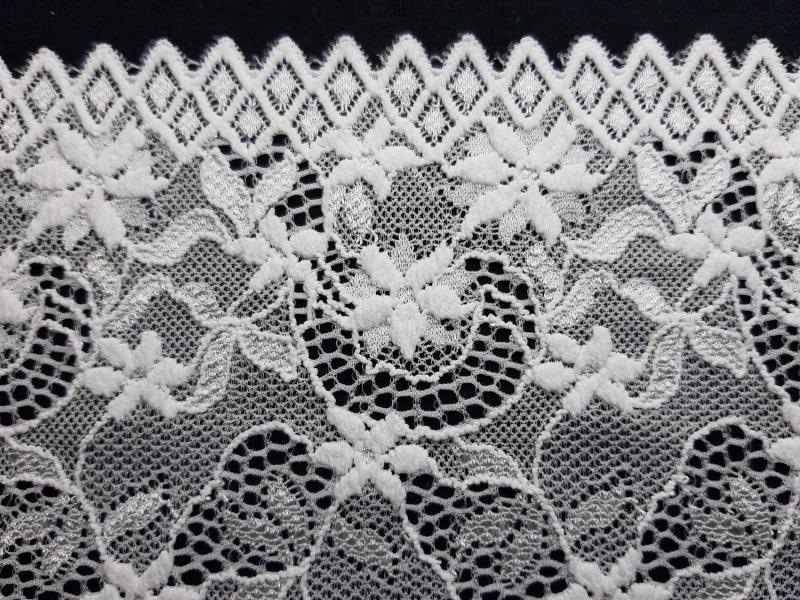 Kleinesbild - Spitzenborte elastisch weiß 16 cm breit