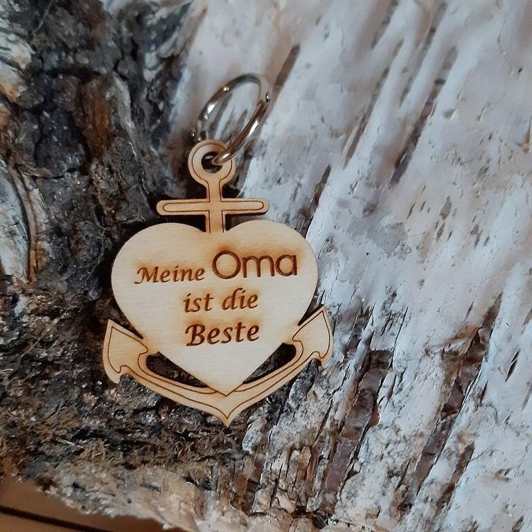 - Schlüsselanhänger aus Holz ♥ Meine Oma ist die Beste ♥ Anker mit Herz zum Verschenken  - Schlüsselanhänger aus Holz ♥ Meine Oma ist die Beste ♥ Anker mit Herz zum Verschenken